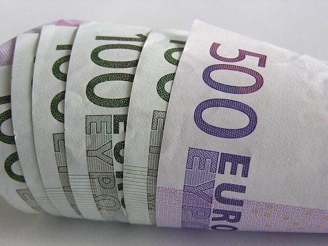 Rosjanie chętnie pożyczają na Zachodzie. Najbardziej zadłużeni wobec Francji (ot. sxc.hu)