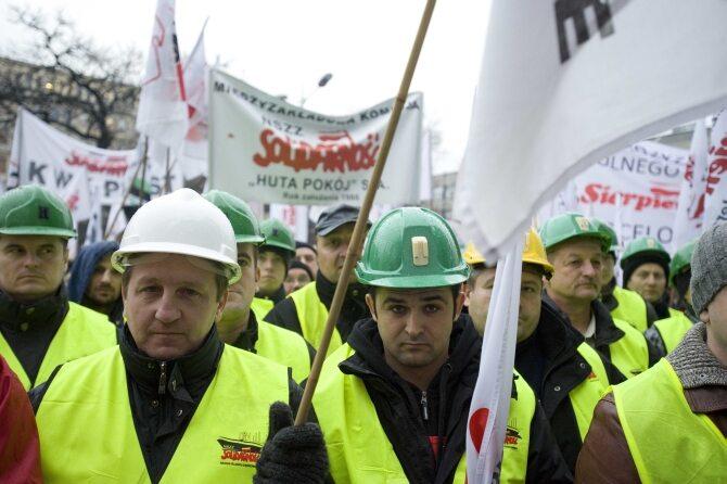 Senator PO: im więcej związków zawodowych, tym gorzej