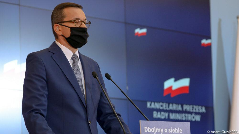 Mateusz Morawiecki i Adam Niedzielski na konferencji. Transmisja, relacja. Będzie lista czerwonych powiatów?