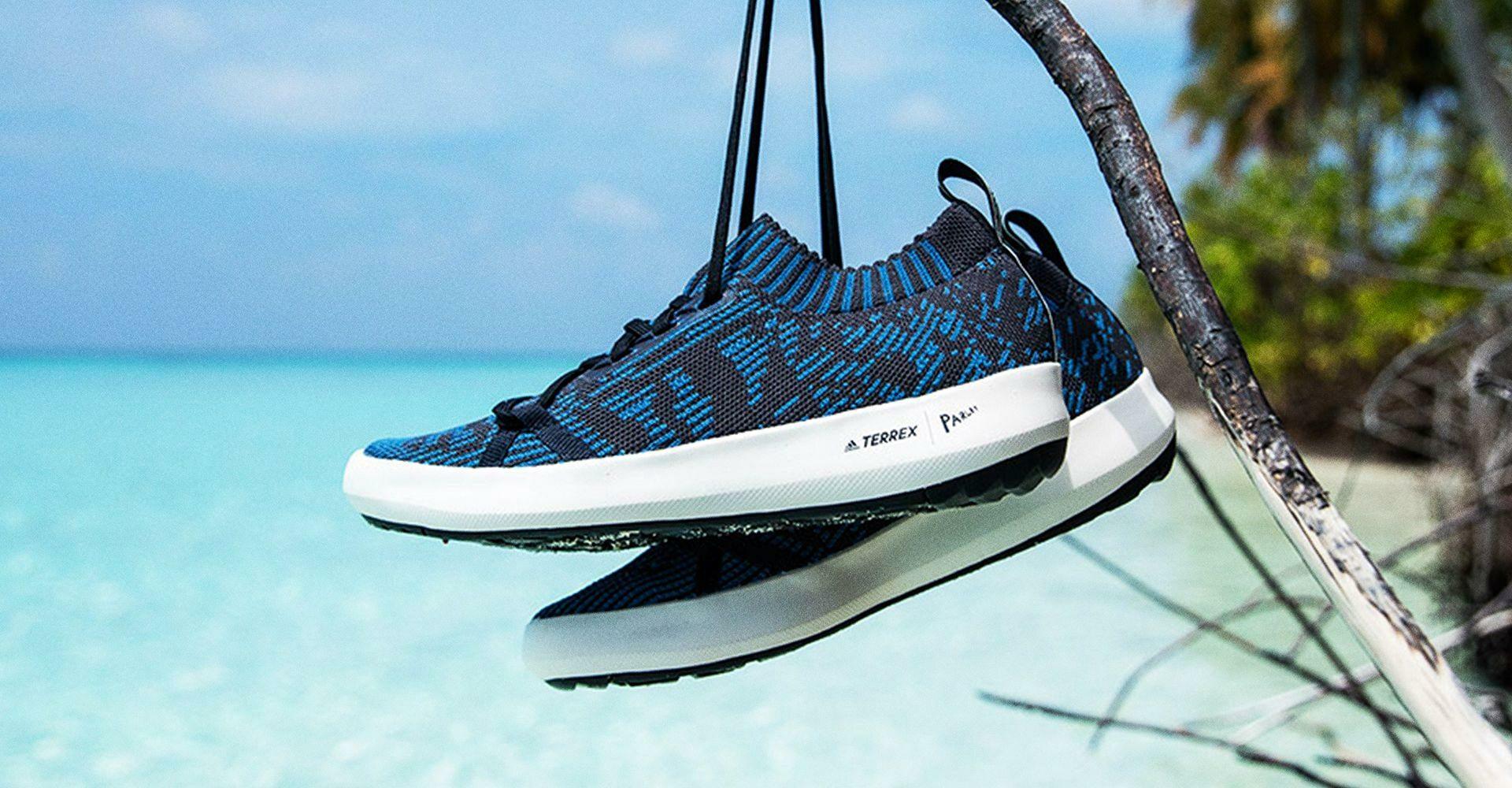 Adidas sprzedał milion par butów z przetworzonych butelek