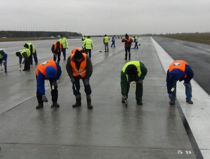 Prace w Modlinie na finiszu. Wizz Air z Okęcia do 15 stycznia