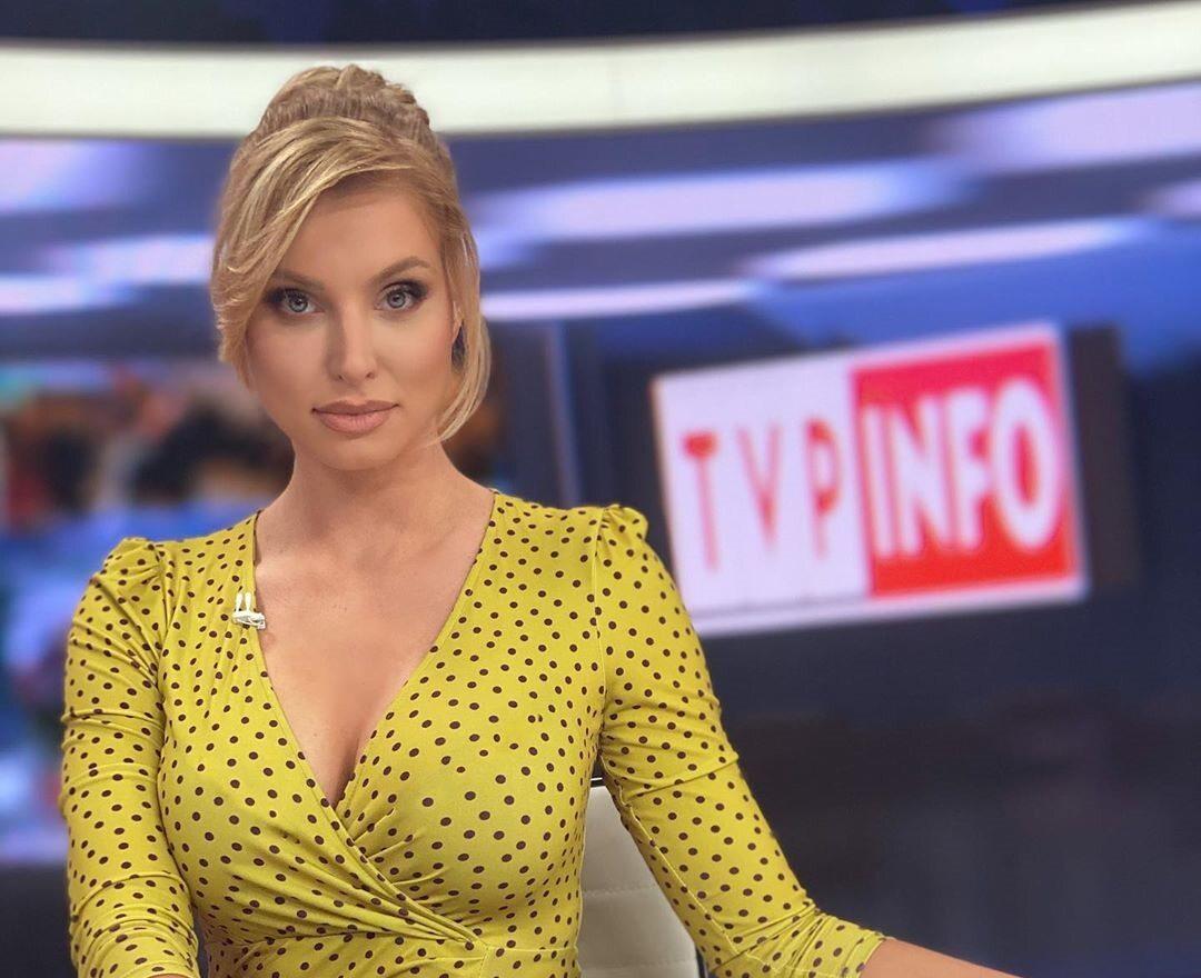"""Dziennikarka TVP skarży się na seksizm. """"Tak! Mam biust. Obiecuję, że jutro zostawię go w domu"""""""
